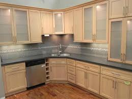 Colors For Kitchens With Maple Cabinets Maple Shaker Kitchen Cabinets Stunning Maple Kitchen Cabinets 2