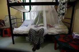 canap駸 interiors 難民故事 孤獨 擁擠 絕望她們都在等待依親 蘋果日報