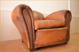 restaurer canapé comment renover un canapé en cuir populairement à ment poncer et