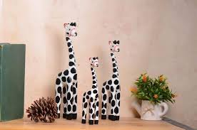 3pcs set bali wooden giraffes crafts sets white yellow giraffes