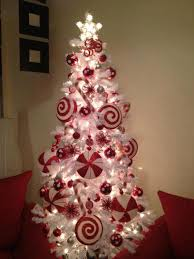where to buy candy canes 50 of the most inspiring christmas tree designs candy canes