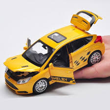 ford focus st yellow 2017 1 32 scale ford focus st suv sound light diecast pull back