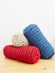 yarnspirations com bernat bulky bolster free pattern crochet