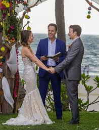 all about bachelor in paradise star carly waddell u0027s wedding dress