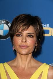 lisa rinna current hairstyle lisa rinna current short shag hairstyle