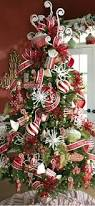 top 10 inventive christmas tree themes tree decorations