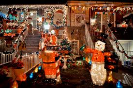 travelettes the christmas lights of dyker heights