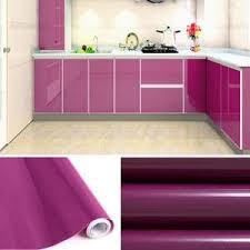 meuble cuisine violet papier adhsif meuble cuisine awesome contre marche cerise