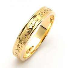 claddagh wedding ring 14k narrow celtic claddagh wedding band