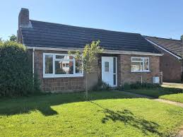 martin u0026 co new milton 3 bedroom detached bungalow for sale in