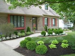 Low Maintenance Backyard Landscaping Ideas by Small Front Yard Landscaping Pictures On A Budget Design Ideas