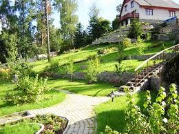 Backyard Ideas For Sloping Yards Triyae Com U003d Terracing A Sloped Yard Various Design Inspiration