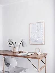 Minimalist Desks Best 25 Minimalist Office Ideas On Pinterest Desk Space Chic