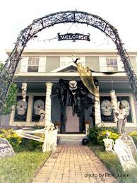 Decorate Your Home For Halloween Halloween Porch Decorating Ideas Both Spooky And Fun