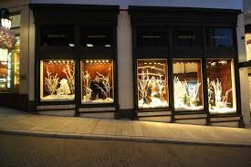 Christmas Decorations For Window Displays by Working For The Man Holiday Window Displays