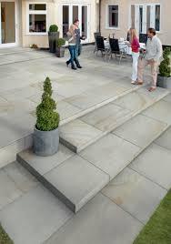 fairstone sawn versuro king size garden paving marshalls co uk