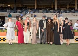 opening day hollywood fashion contest