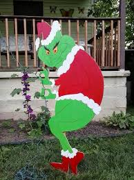 48 sneaking grinch stealing lights yard decoration