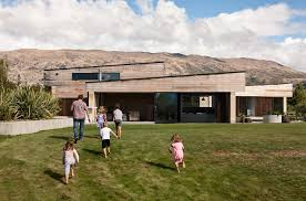 Earth Homes by A Wanaka Home Is Built Using Ancient Yet Unconventional Material