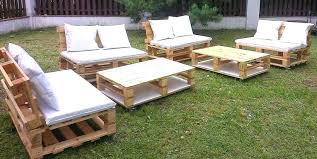 fabrication canapé en palette table de jardin palette meuble de jardin en palette fabriquer table
