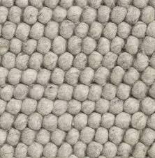 tapis boule feutre tapis en laine kids love design