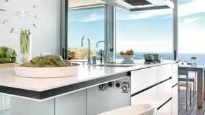 cuisine et plan de travail plan de travail évier mitigeur côté maison