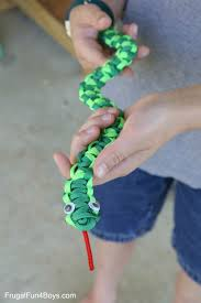 how to make easy paracord snakes