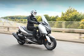 ride yamaha xmax 400 review visordown