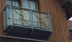 balkon gitter balkon mit netz sichern wirklich nötig katzen und familie