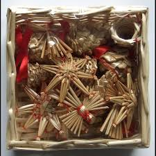 straw ornaments set of 16 pieces wicker basket straw