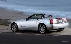 cadillac xlr coupe 2006 cadillac xlr v 2007 mercedes sl550 comparison motor trend