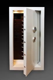 bethenny frankel tribeca apartment bethenny frankel u0027s closet has a traum safe popsugar home