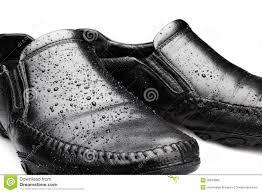 foto bagnate scarpe bagnate fotografia stock immagine di concetti 30819882