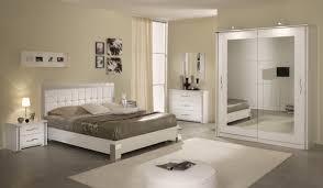 chambre pour une nuit armoire pour chambre coucher armoire portes avec
