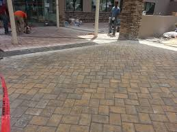 installing patio pavers easy patio pavers ideas