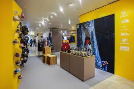 Shop In Shop Interior by Bever Shop In Shop Confetti Reclame