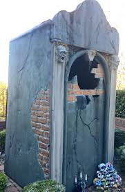 38 best mausoleum images on pinterest halloween ideas halloween