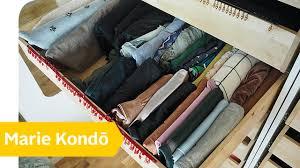 Ordnung Im Wohnzimmerschrank Aufräumen Die Methode Von Marie Kondō U2013 Ordnung Schaffen Mit