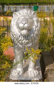 silver lion statue statue of silver stock photos statue of silver stock images alamy