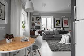 hellgraues sofa kleines wohn esszimmer einrichten 22 moderne ideen
