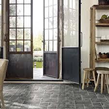 Non Slip Bathroom Flooring Ideas Pinterest U0027teki 25 U0027den Fazla En Iyi Non Slip Floor Tiles Fikri