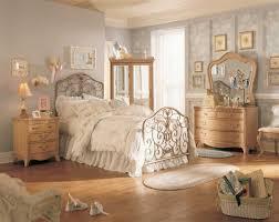 Impressive Vintage Nuance Vintage Master Bedroom Wooden Side Board And Dresser Patterned