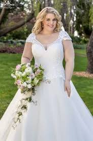 sle sale wedding dresses roz la kelin wedding dress available at the bridal boutique by
