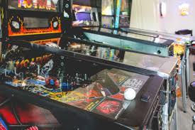 retro game room