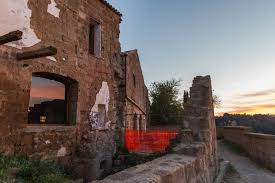 Cave Resturuant Side Of A Cliff Italy by Photos Visit A Crumbling Medieval Town That U0027s Slowly Falling Off