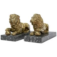 lion bookends pair of gilt bronze medici lions for sale at 1stdibs