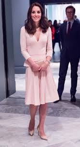 kate middleton picks head to toe pastels as she attends vogue 100