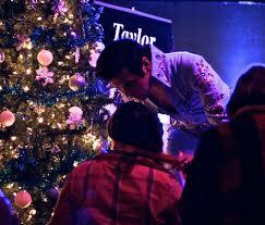 phase2 holiday show 2016 u2014 taylor rodriguez