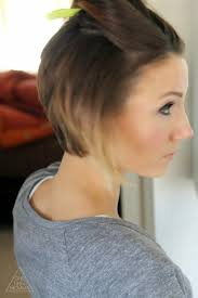 would an inverted bob haircut work for with thin hair styling an angled bob easy everyday tutorial one little momma