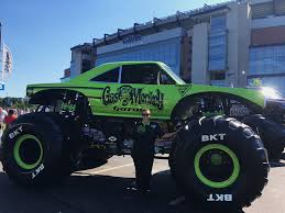 how long does a monster truck show last gas monkey garage monster jam truck off season update with crew